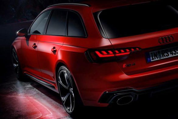 Se billederne:  Endnu mere vildskab i Audi RS4